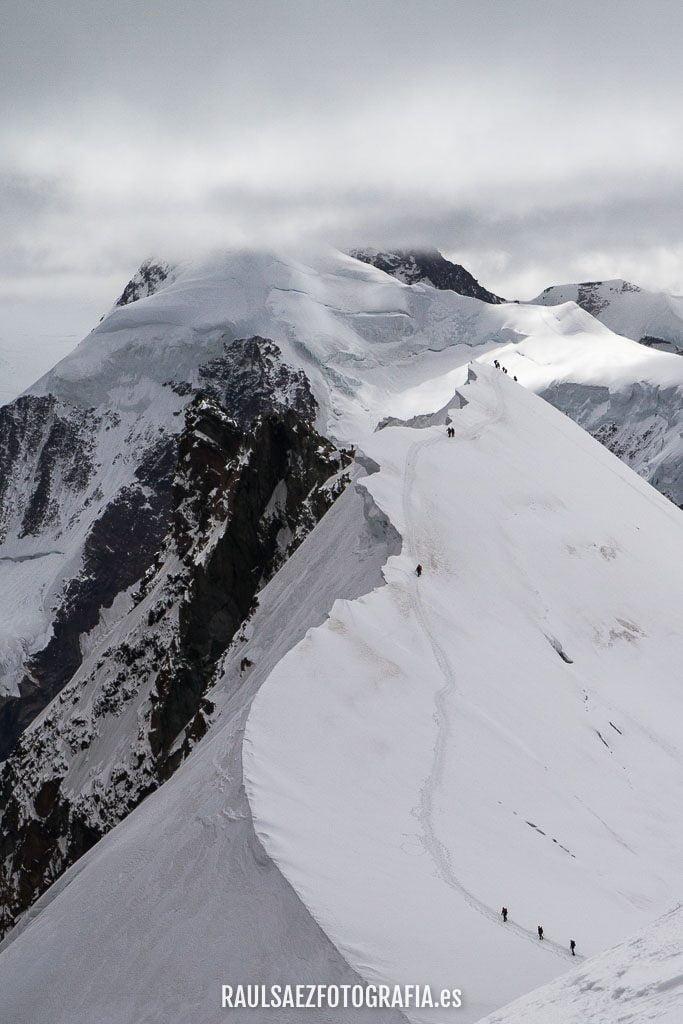 Equilibrios sobre la arista a mas de 4.000 metros 12