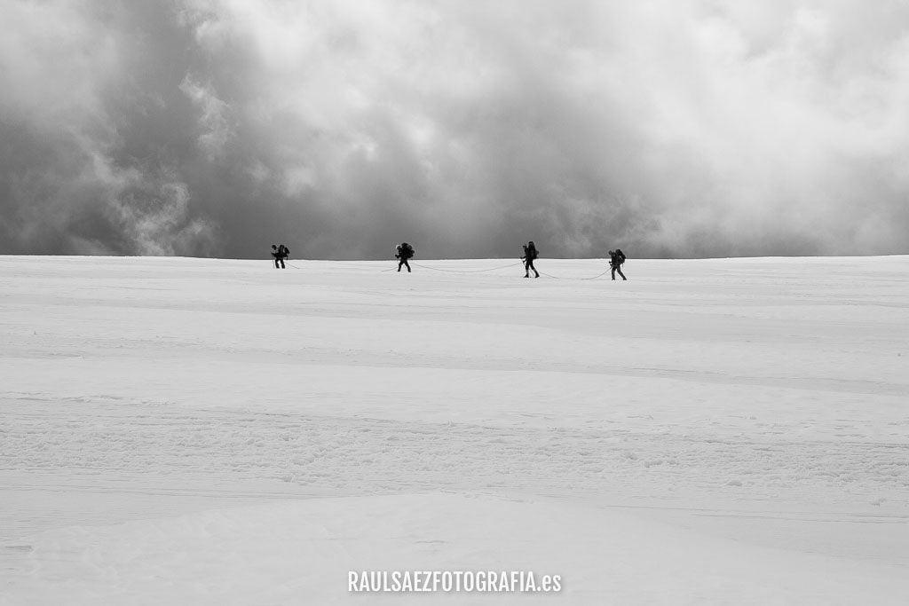 Travesía glaciar sobre el Plateau Rosa 11