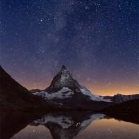 El Matterhorn bajo la Vía Láctea